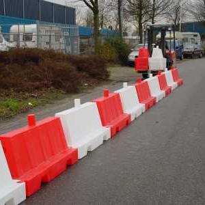 Stapelbare kunststof barriers