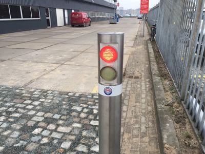 Automatisch inzinkbare palen stoplicht