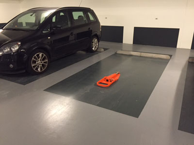 Parkeerbeugel orange neergeklapt
