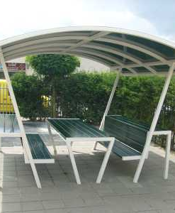 Overkapping huifkar voor op schoolplein