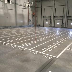 Opstelvakken wegmarkering voor pallets met nummering