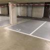 wegmarkering cijfers in parkeergarage