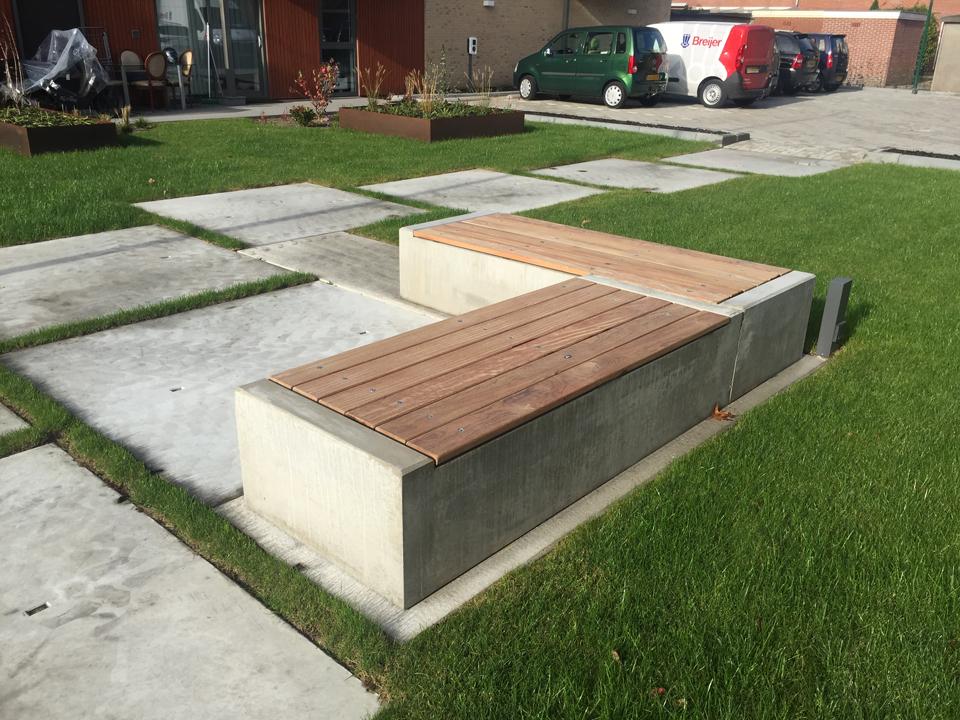 Bank beton met hout