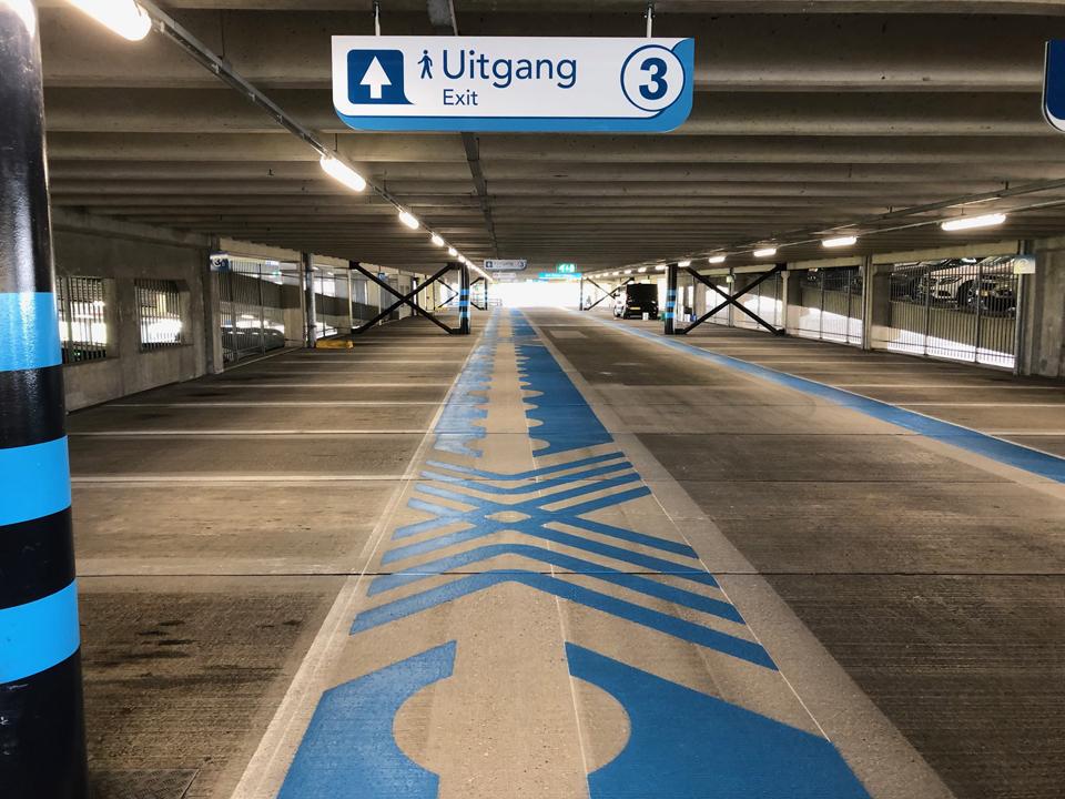 Westraven wegmarkeringen blauw