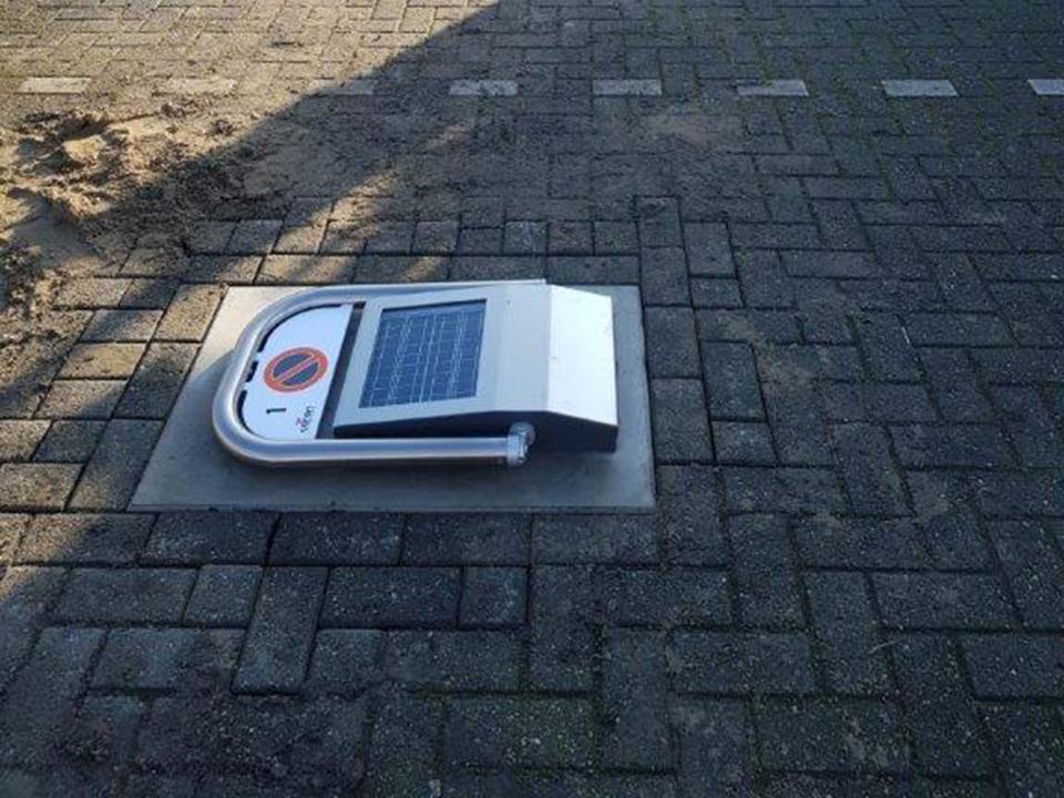 Parkeerbeugel automatisch op zonneenergie