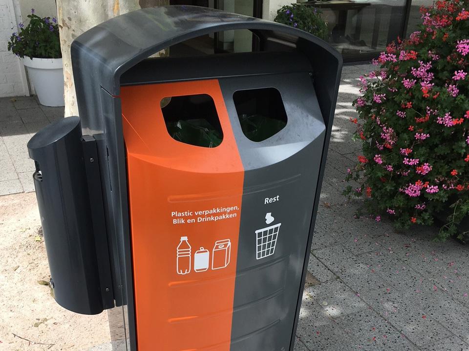 Afvalbak Bin-Solumn met peukenzuil